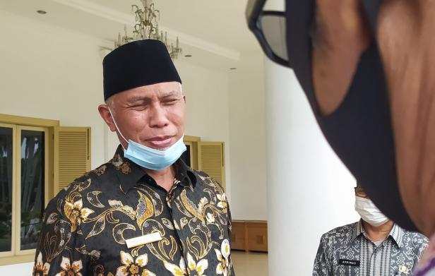 Ketua DPW PKS Sumbar Mahyeldi Ansharullah