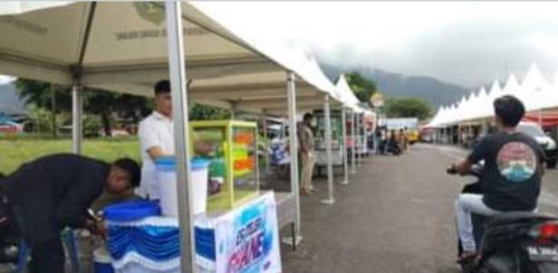 Suasana Baru Pasar Kuliner Kota Padangpanjang dengan Pemasangan Fasilitas Tenda Baru Kuliner
