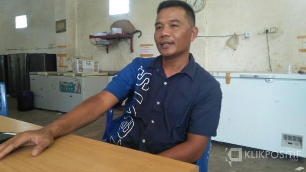 Ikal Jonedi, Anggota DPRD yang juga Bos Durian di Pessel