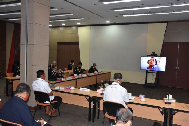 Suasana supervisi SMP oleh Tim dari Direktorat Pam Obvit Kor Sabhara Baharkam Polri di Ruang Rapat Lantai I PT Semen Padang.