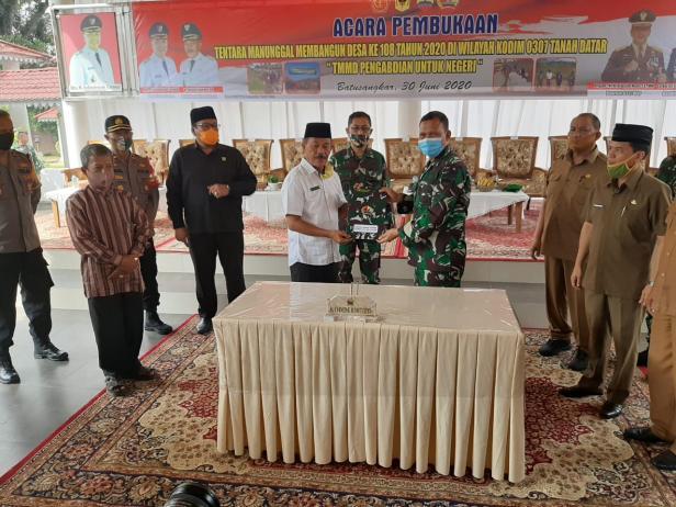 Pembukaan TMMD ke-108 Tanah Datar di Gazebo Indo Jolito Batusangkar