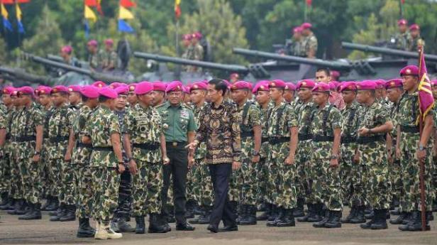 Pasukan Marinir di Lapangan Utama Markas Korps Marinir, Cilandak, Jakarta Selatan, Jumat