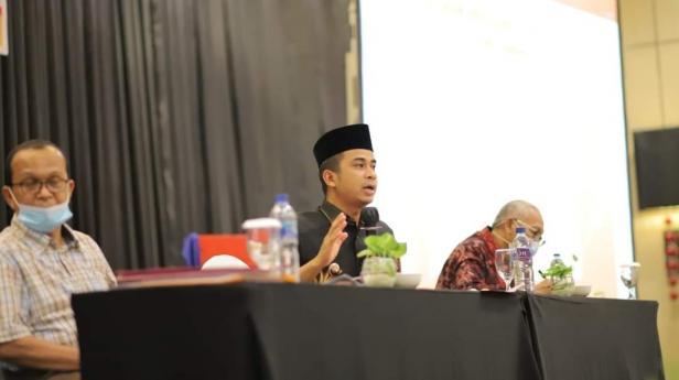 Wakil Wali Kota Solok, Dr. Ramadhani Kirana Putra menekankan program keagamaan dalam penyusunan Renstra OPD