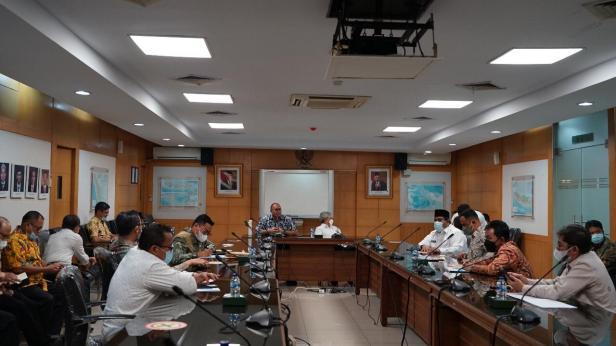 Anggota Komisi VI DPR RI Andre Rosiade fasilitasi pertemuan sembilan Kepala Daerah (KDH) di Sumbar dengan Direktur Jenderal Bina Marga Kementerian PUPR Hedy Rahadian di kantor Kementerian PUPR, Jakarta.