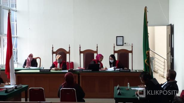 Sidang Vonis di Pengadilan Negeri Kelas I A Padang