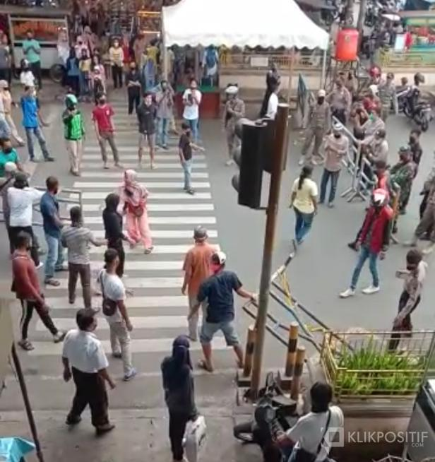 Aksi protes pedagang di Pasar Payakumbuh