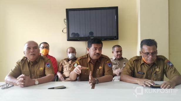 Konferensi Pers terkait pengumuman status pasien asal Payakumbuh yang meninggal di RSAM Bukittinggi