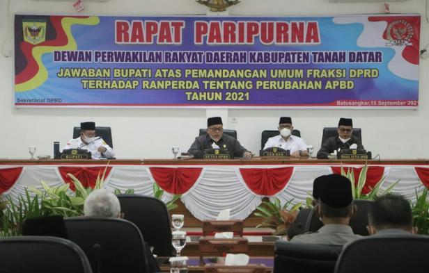 Rapat paripurna DPRD terkait Ranperda Perubahan APBD 2021