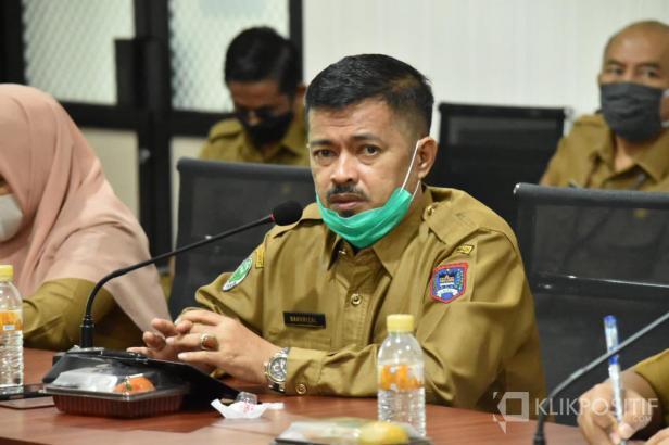 Kepala Dinas Kesehatan Payakumbuh dr. Bakhrizal saat umumkan kasus COVID-19 di Payakumbuh