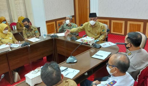 rapat koordinasi (Rakor) perencanaan kegiatan Tour de PDRI di ruang rapat Gubernuran, Selasa (27/4/2021).