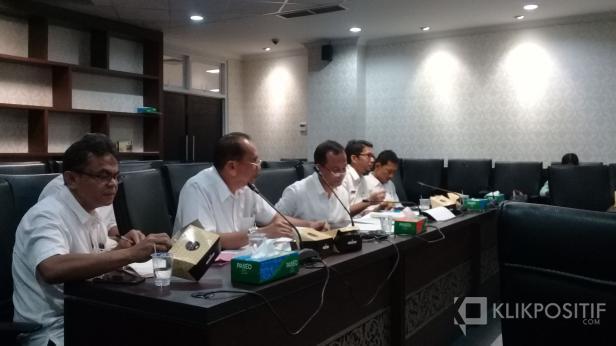 Dengar pendapat Dinas ESDM dengan Komisi IV DPRD Sumbar, Rabu, 8 Januari 2020