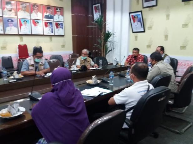 Tim verifikasi BNPB saat diterima Pemkab Pessel