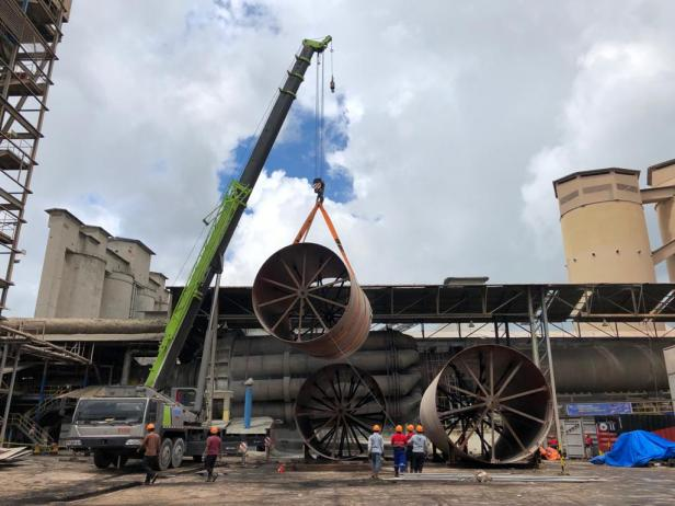 Proses pemasangan shell kiln buatan Workshop PT Semen Padang di Pabrik Tonasa3, PT Semen Tonasa yang sudah rampung pada awal Februari 2021.
