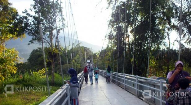 Jembatan Penghubung Jorong Guguak Tinggi dan Guguak Randah/Pict 2016