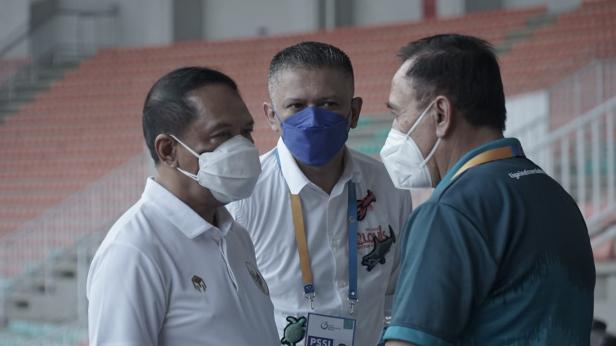 Menteri Pemuda dan Olahraga (Menpora), Zainudin Amali  dan Ketua Umum PSSI, Mochamad Iriawan