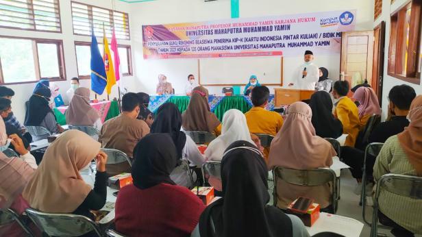Rektor UMMY Solok, Prof. Syahro Ali Akbar ingatkan mahasiswa manfaatkan bantuan sesuai peruntukan