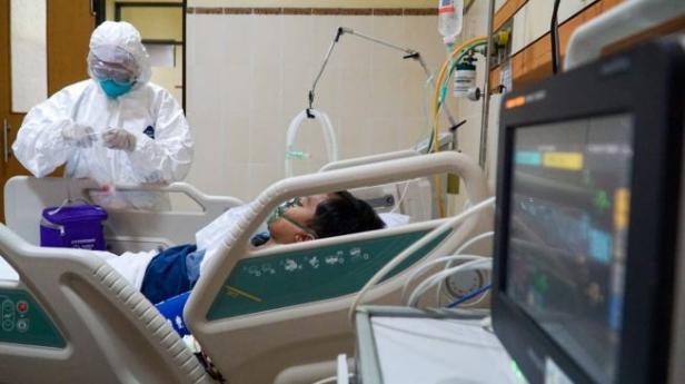 Simulasi penangan Virus Corona di RS Margono Soekardjo Purwokerto pada Senin (3/2/2020)