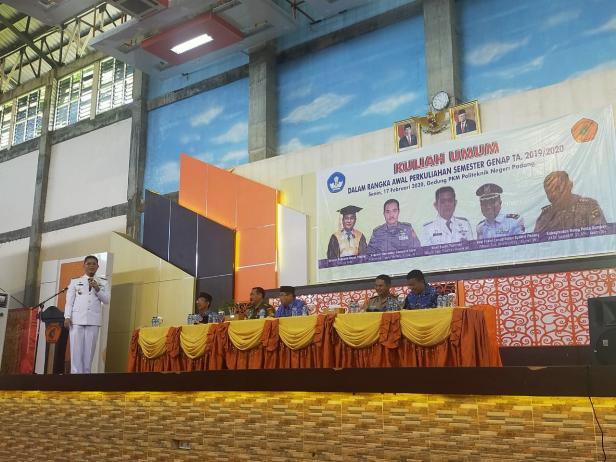 Wakil Bupati Pasaman memberikan kuliah umum di Politeknik Negeri Padang.