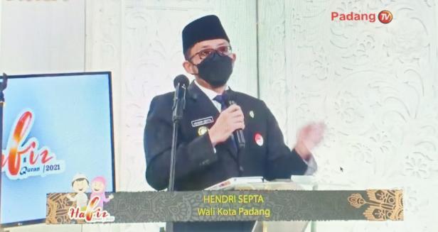 Walikota Padang Hendri Septa