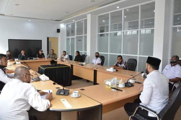 Wako Fadly Amran Intruksikan Dinas Perdagkop UKM carikan Lokasi baru Untuk PKL