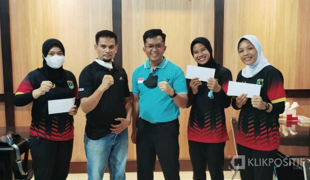 Wawako Erwin Yunaz Beri Motivasi Kepada Atlet PON XX Papua Asal Payakumbuh
