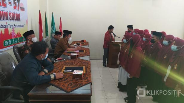 Wakil Wali Kota Solok, Dr. Ramadhani Kirana Putra menghadiri pelantikan Pimpinan Cabang IMM Solok di aula masjid Agung