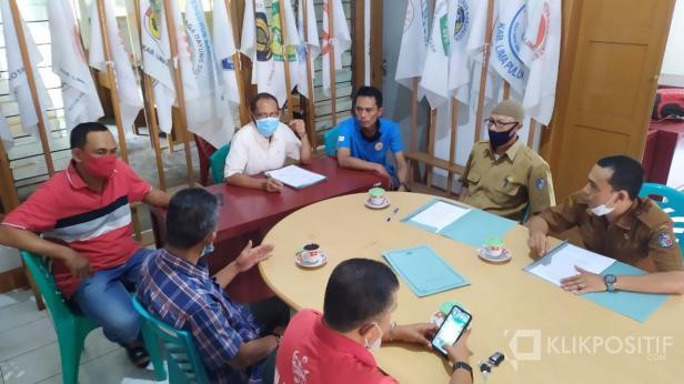 Rapat verifikasi administrasi dan penetapan Calon Ketum KONI Lima Puluh Kota, Selasa (16/3).