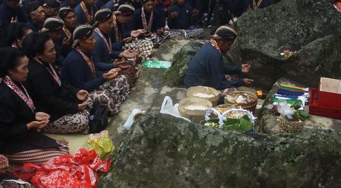 Keraton Ngayogyakarto Hadiningrat akan melaksanakan upacara adat Labuhan Gunung Merapi