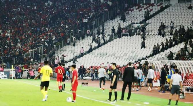 Kerusuhan saat laga Indonesia vs Malaysia.