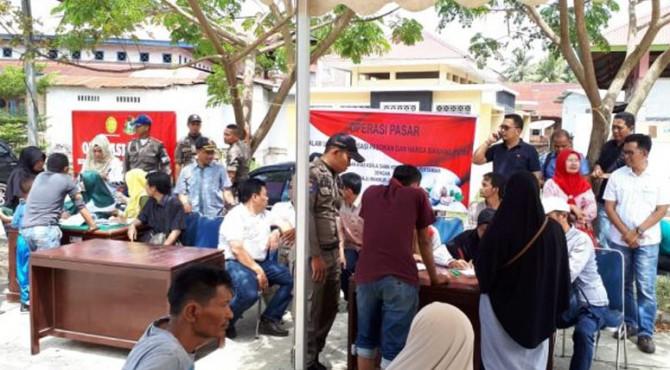 Operasi Pasar yang dilaksanakan Pemko Payakumbuh di Pasar Ibuh Barat.