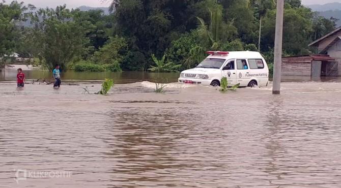 Banjir yang menggenang Nagari Taram Kabupaten Limapuluh Kota-Sumbar, Selasa (10/12/2019)