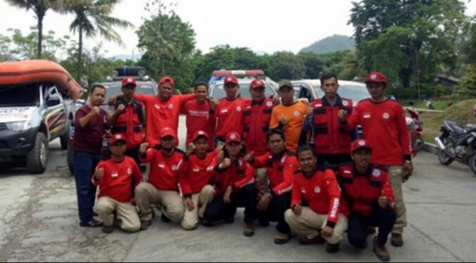 TRC Semen Padang Foto bersama sesaat sebelum berangkat ke lokasi bencana di Limapuluh Kota