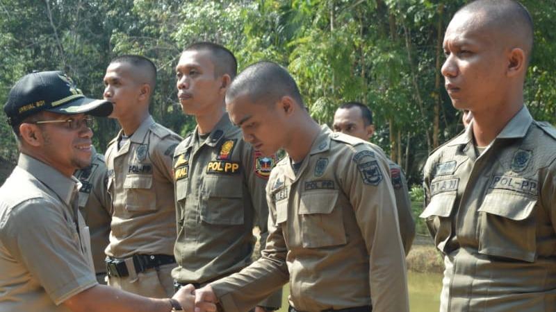 Wakil Bupati Sijunjung Arrival Boy Saat Membuka Pelatihan Bela Negara Bagi THL Pemkab Sijunjung