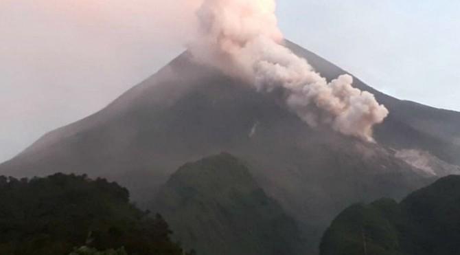 Guguran awan panas Gunung Merapi pada, Sabtu (2/3/2019) pagi.
