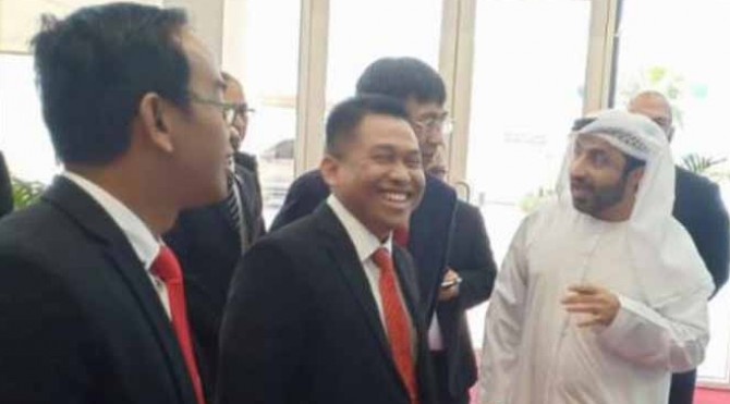 Sekjen M. Nur Kholis Setiawan berbincang dengan Direksi Alef Education