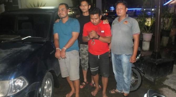2 pelaku berhasil ditangkap di sebuah warung kopi di daerah Padang Pariaman pada Selasa sore.