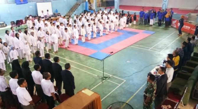 Pembukaan kejuaraan Karate Bupati Cup Sijunjung