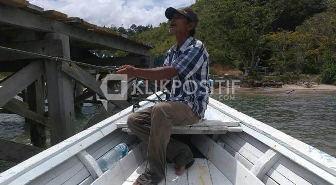 Masril membanderol jasanya dengan biaya Rp650.000-Rp1.650.000 untuk sekali pelayaran