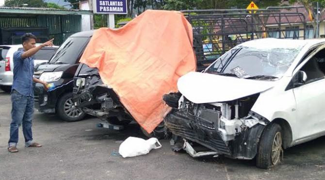 kendaraan di Satlantas Polres Pasaman yang mengalami kecelakaan di daerah itu
