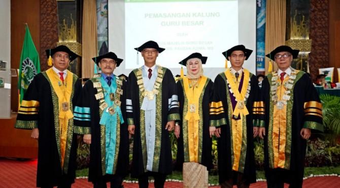 Pengukuhan tiga guru besar di Unand