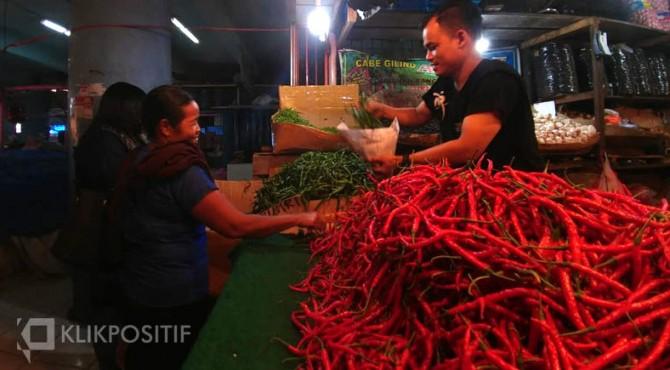 Pedagang cabai merah di Pasar Raya Padang