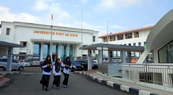 Kampus Universitas Fort de Kock Bukittinggi