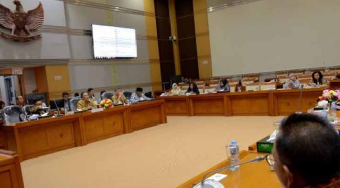Wakil Ketua Komisi VIII DPR RI Sodik Mudjahid saat menerima audiensi dari Permusyawaratan Antarsyarikat Travel Umrah dan Haji Indonesia (PATUHI) dan Forum Komunikasi Silaturahmi Penyelenggaraan Travel Umrah Haji.