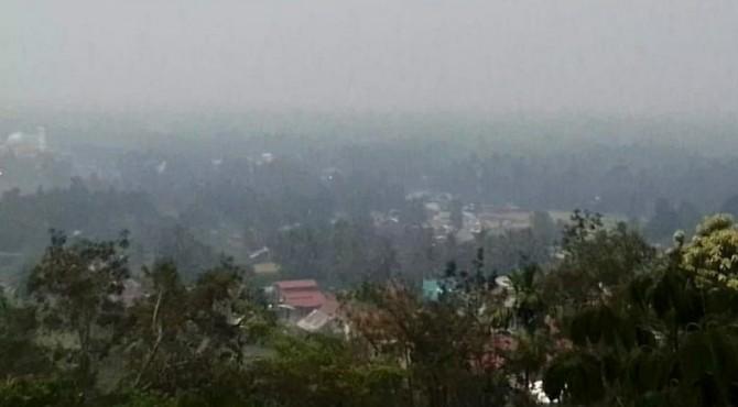 Kabut asap menyelimuti Kabupaten Solok