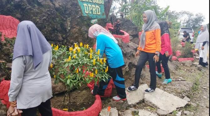 Sekretariat DPRD Kabupaten Pasaman untuk melaksanakan goro bersama