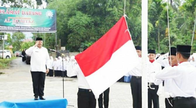 Walikota Solok, Zul Elfian bertindak sebagai Irup upacara peringatan HSN tingkat kota Solok 2019.