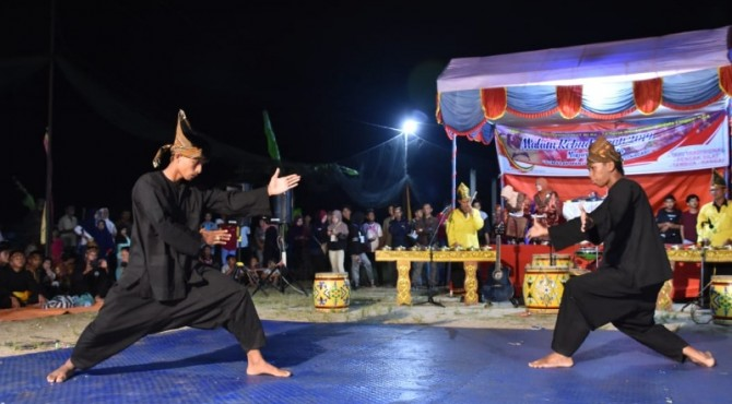 Penampilan Silek Tradisi di Festival Malam Kebudayaan
