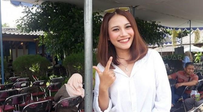 Vincentia Tiffany, perempuan berusia 20 tahun asal Yogyakarta, mengakui ingin menjadi istri kedua Cawapres nomor urut 2 Sandiaga Uno.
