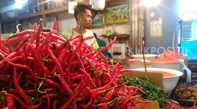 Cabai merah di Pasar Raya Padang.