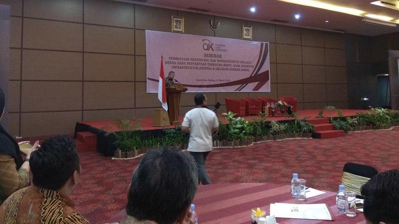 Seminar pembiayaan sektor riil dan infrastruktur melalui reksa dana penyertaan terbatas (RDPT), dana investasi infrastruktur (DINFRA) dan obligasi daerah (OBDA) di Grand Inna Padang, 21 Maret 2019